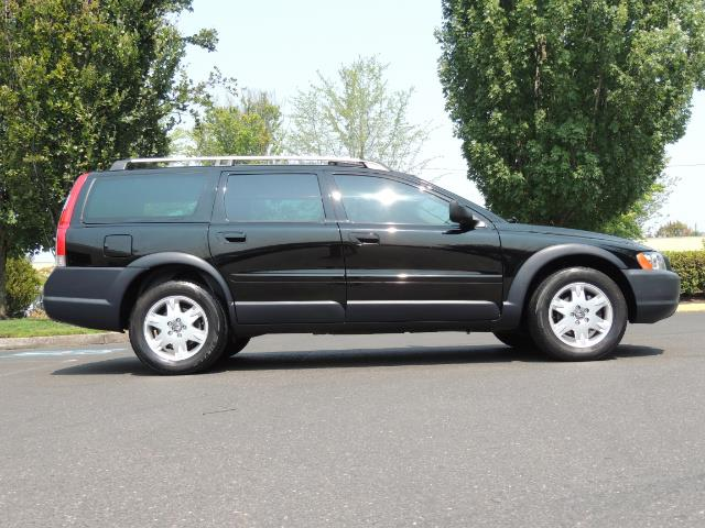 2006 Volvo XC70 2.5T / Cross Country / AWD / Leather /Heated seats - Photo 4 - Portland, OR 97217