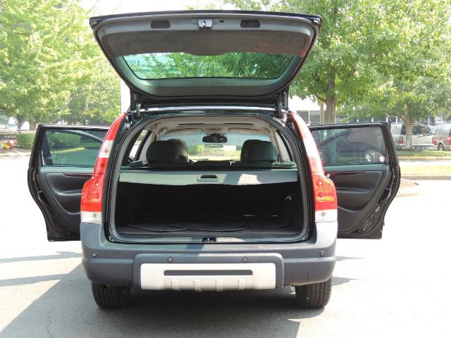 2006 Volvo XC70 2.5T / Cross Country / AWD / Leather /Heated seats - Photo 28 - Portland, OR 97217