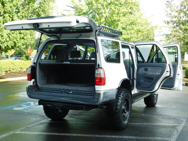 2000 Toyota 4Runner 4X4 / 3.4L V6 / LIFTED / 1-OWNER / 109,000 MILES ! - Photo 27 - Portland, OR 97217