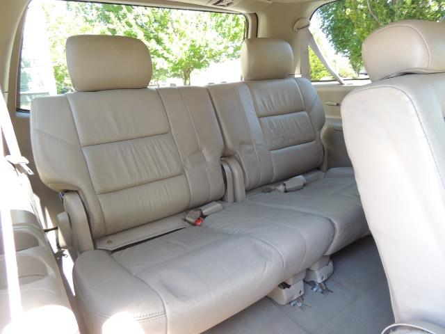 2006 Toyota Sequoia LIMITED 4X4 / 8 SEATS NAVi DVD / FRESH TIMING BELT - Photo 38 - Portland, OR 97217
