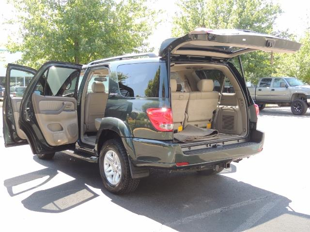 2006 Toyota Sequoia LIMITED 4X4 / 8 SEATS NAVi DVD / FRESH TIMING BELT - Photo 25 - Portland, OR 97217