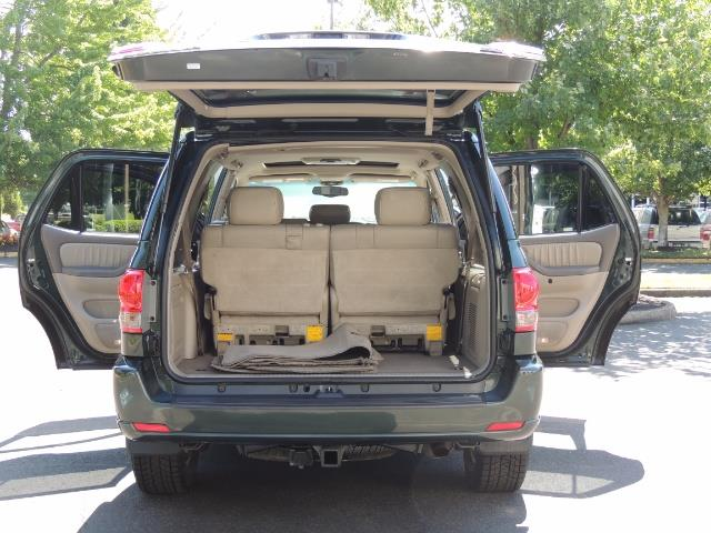 2006 Toyota Sequoia LIMITED 4X4 / 8 SEATS NAVi DVD / FRESH TIMING BELT - Photo 26 - Portland, OR 97217