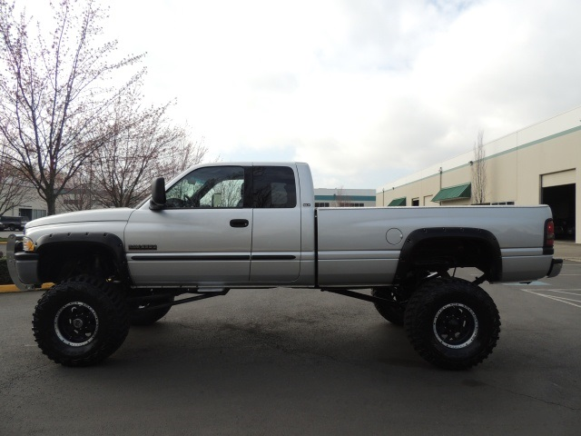 2002 dodge ram 2500 slt 4x4 5 9l diesel monster lifted lifted. Black Bedroom Furniture Sets. Home Design Ideas