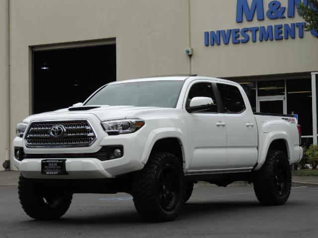 2016 Toyota Tacoma TRD Off-Road Sport / 4X4 / Blind Spot / Sunroof - Photo 48 - Portland, OR 97217