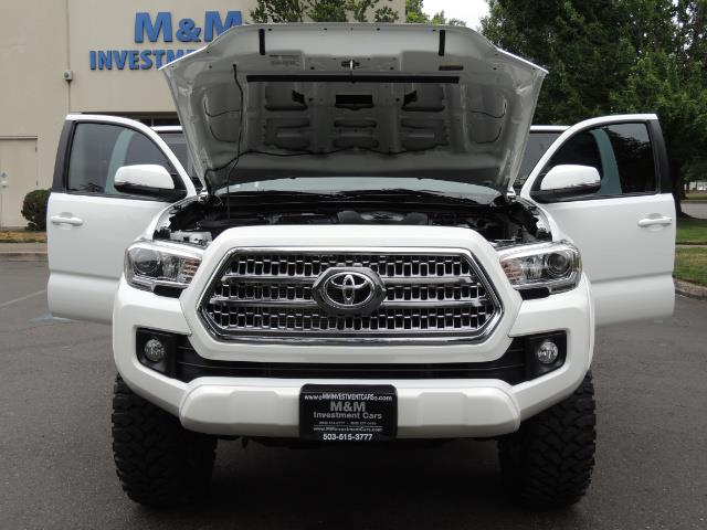 2016 Toyota Tacoma TRD Off-Road Sport / 4X4 / Blind Spot / Sunroof - Photo 33 - Portland, OR 97217