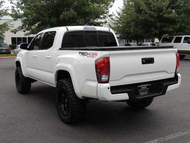 2016 Toyota Tacoma TRD Off-Road Sport / 4X4 / Blind Spot / Sunroof - Photo 7 - Portland, OR 97217