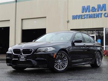 2014 BMW M5 Twin Turbo / 560hp / RARE 6-SPEED MANUAL Sedan