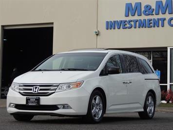 2012 Honda Odyssey Touring / LOADED / Leather / Nav / DVD / 1-Owner Van