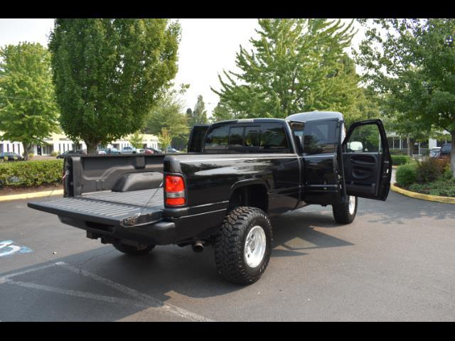 2001 Dodge Ram 2500 SLT Plus / 4X4 / 5.9L DIESEL / Leather / LIFTED - Photo 28 - Portland, OR 97217