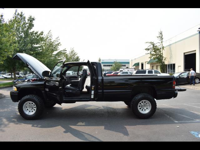 2001 Dodge Ram 2500 SLT Plus / 4X4 / 5.9L DIESEL / Leather / LIFTED - Photo 26 - Portland, OR 97217