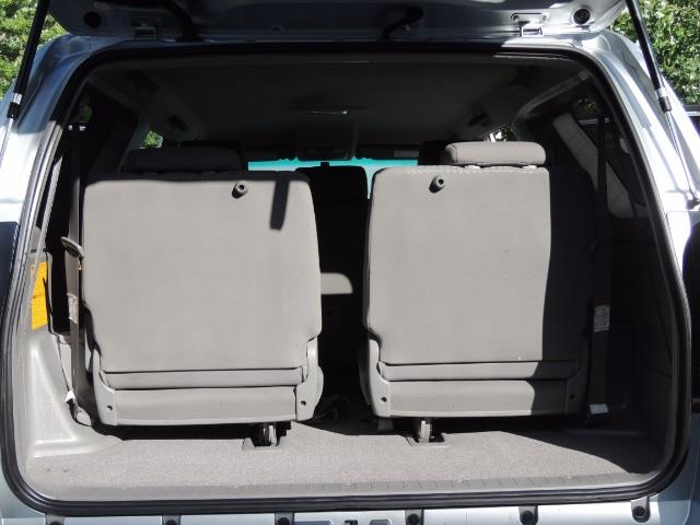 2007 Toyota 4Runner V6 4X4 / 3RD SEAT / DIFF LOCK / 1-OWNER / LIFTED - Photo 16 - Portland, OR 97217