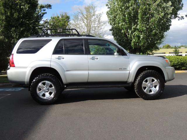 2007 Toyota 4Runner V6 4X4 / 3RD SEAT / DIFF LOCK / 1-OWNER / LIFTED - Photo 4 - Portland, OR 97217
