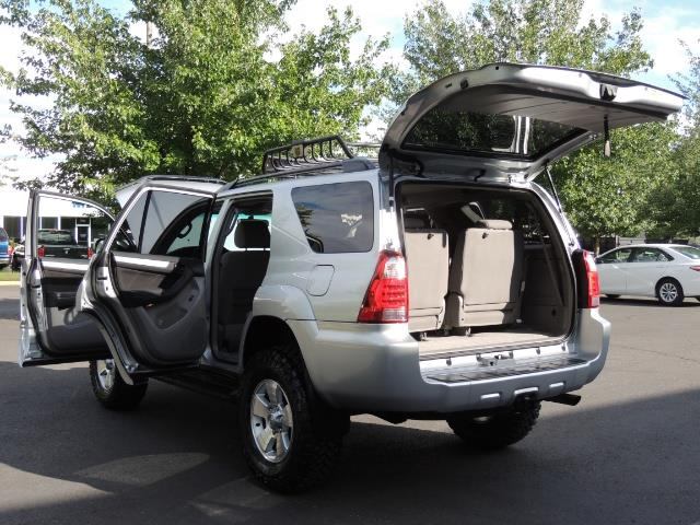 2007 Toyota 4Runner V6 4X4 / 3RD SEAT / DIFF LOCK / 1-OWNER / LIFTED - Photo 25 - Portland, OR 97217