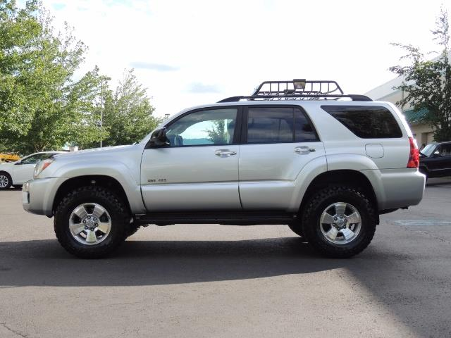 2007 Toyota 4Runner V6 4X4 / 3RD SEAT / DIFF LOCK / 1-OWNER / LIFTED - Photo 3 - Portland, OR 97217