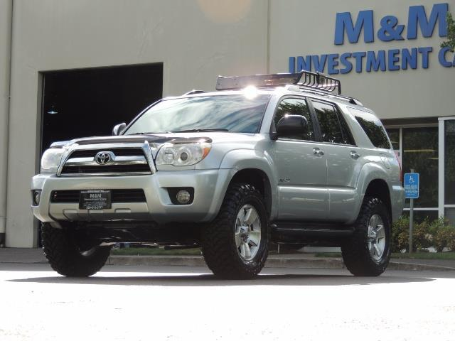 2007 Toyota 4Runner V6 4X4 / 3RD SEAT / DIFF LOCK / 1-OWNER / LIFTED - Photo 1 - Portland, OR 97217