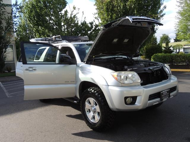 2007 Toyota 4Runner V6 4X4 / 3RD SEAT / DIFF LOCK / 1-OWNER / LIFTED - Photo 29 - Portland, OR 97217