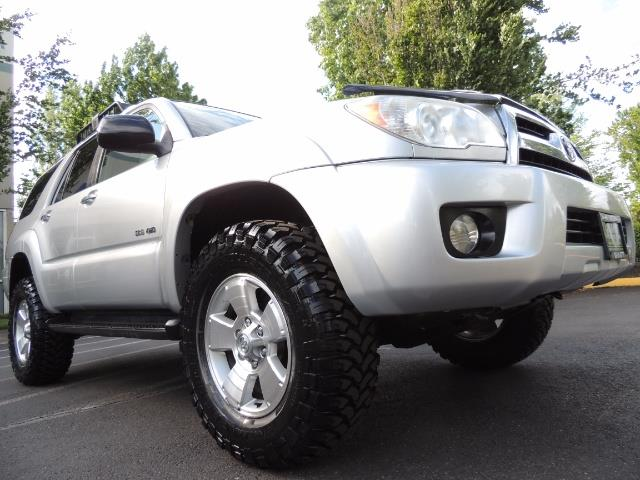 2007 Toyota 4Runner V6 4X4 / 3RD SEAT / DIFF LOCK / 1-OWNER / LIFTED - Photo 10 - Portland, OR 97217