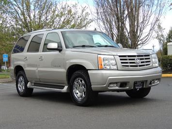 2006 Cadillac Escalade AWD / NAVi / DVD / 3rd Seats / LOW 98k miles SUV