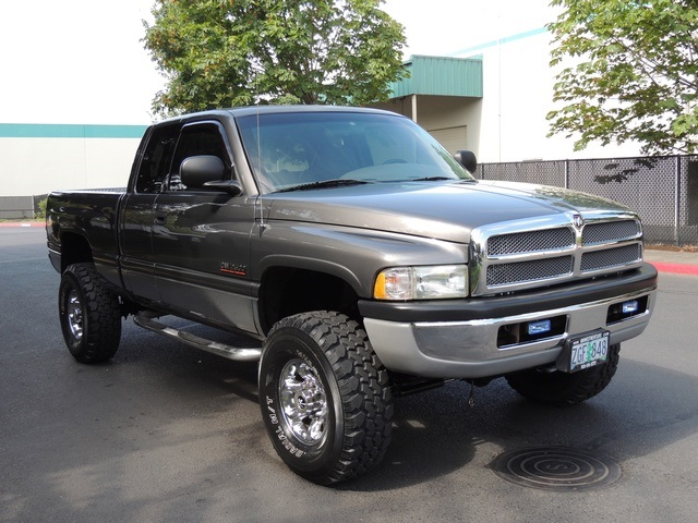 2002 dodge ram 2500 slt 4x4 quad cab 5 9l cummins diesel lifted. Black Bedroom Furniture Sets. Home Design Ideas
