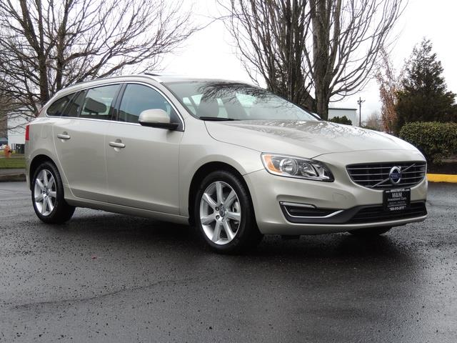 2017 Volvo V60 T5 Premier/ Leather / Heated Seats / Navigation - Photo 2 - Portland, OR 97217
