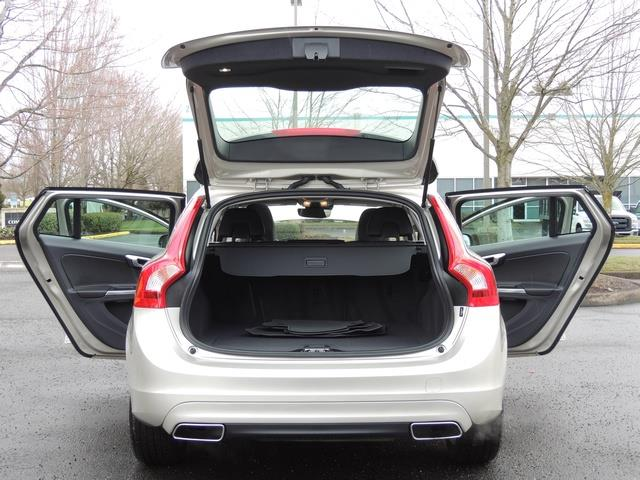 2017 Volvo V60 T5 Premier/ Leather / Heated Seats / Navigation - Photo 28 - Portland, OR 97217