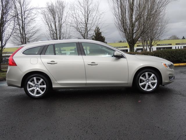 2017 Volvo V60 T5 Premier/ Leather / Heated Seats / Navigation - Photo 4 - Portland, OR 97217