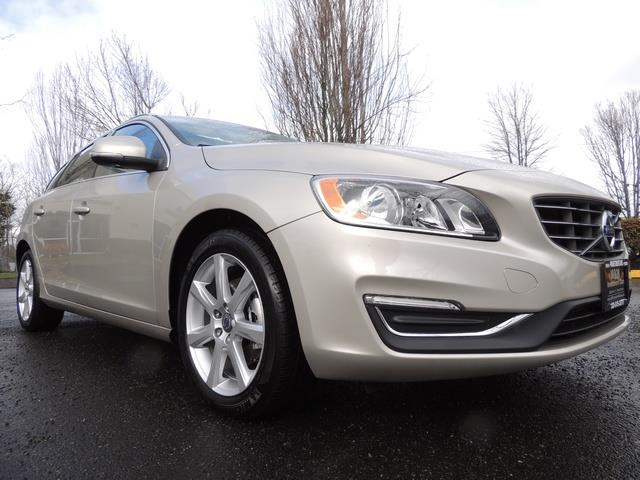 2017 Volvo V60 T5 Premier/ Leather / Heated Seats / Navigation - Photo 12 - Portland, OR 97217