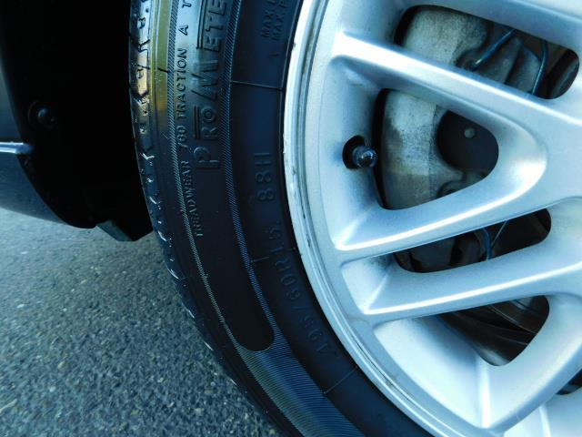 2007 Ford Focus ZX4 SE / 4Dr / Sunroof / New Tires - Photo 41 - Portland, OR 97217