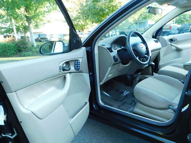 2007 Ford Focus ZX4 SE / 4Dr / Sunroof / New Tires - Photo 13 - Portland, OR 97217