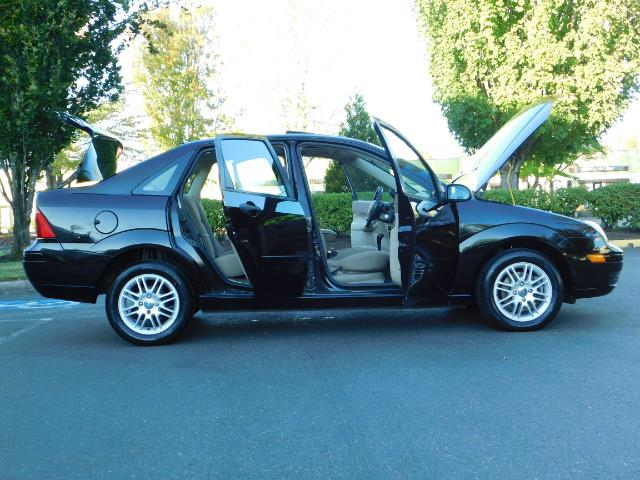 2007 Ford Focus ZX4 SE / 4Dr / Sunroof / New Tires - Photo 30 - Portland, OR 97217