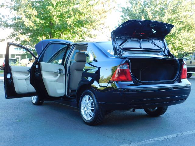 2007 Ford Focus ZX4 SE / 4Dr / Sunroof / New Tires - Photo 27 - Portland, OR 97217