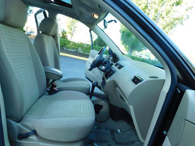2007 Ford Focus ZX4 SE / 4Dr / Sunroof / New Tires - Photo 17 - Portland, OR 97217