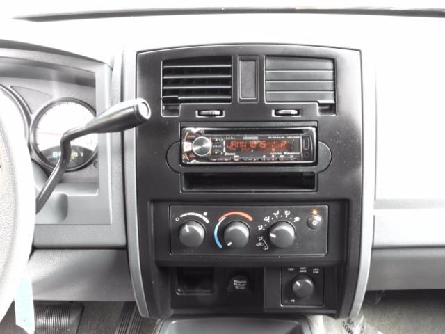 2007 Dodge Dakota Quad Cab / 4X4 / NEW WHEELS+TIRES / LIFTED !! - Photo 19 - Portland, OR 97217