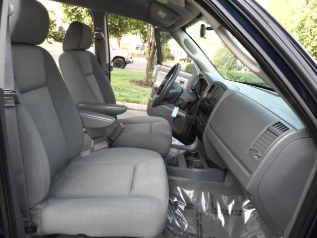 2007 Dodge Dakota Quad Cab / 4X4 / NEW WHEELS+TIRES / LIFTED !! - Photo 17 - Portland, OR 97217