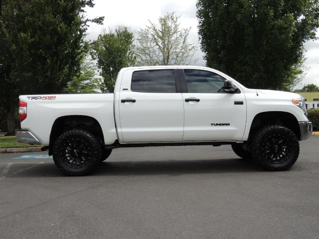 2016 Toyota Tundra SR5 / TRD OFF RD / 4X4 / 1-OWNER/ LIFTED - Photo 4 - Portland, OR 97217