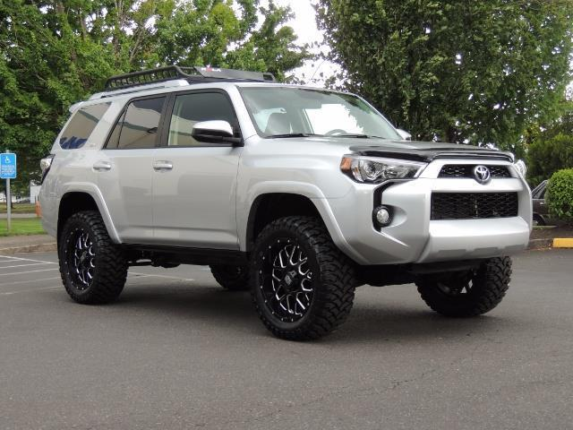 2016 Toyota 4Runner SR5 SPORT SUV 4WD V6 / 3RD SEATS REAR CAM / LIFTED - Photo 2 - Portland, OR 97217