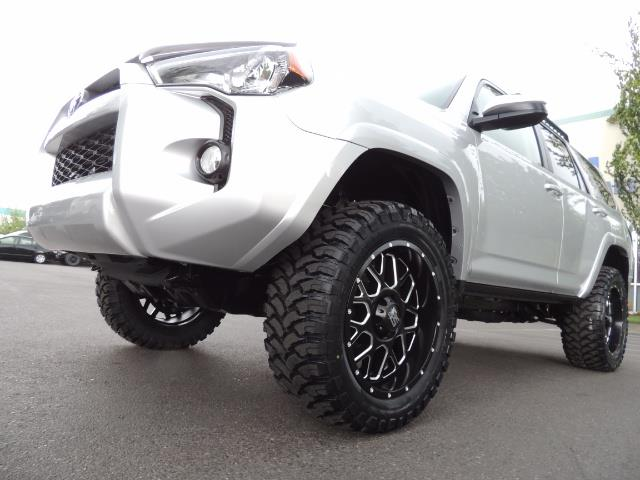 2016 Toyota 4Runner SR5 SPORT SUV 4WD V6 / 3RD SEATS REAR CAM / LIFTED - Photo 9 - Portland, OR 97217