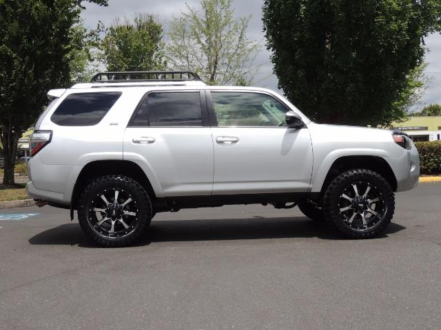 2016 Toyota 4Runner SR5 SPORT SUV 4WD V6 / 3RD SEATS REAR CAM / LIFTED - Photo 4 - Portland, OR 97217
