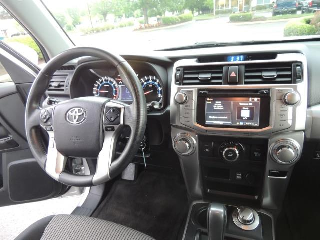 2016 Toyota 4Runner SR5 SPORT SUV 4WD V6 / 3RD SEATS REAR CAM / LIFTED - Photo 39 - Portland, OR 97217