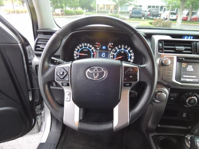2016 Toyota 4Runner SR5 SPORT SUV 4WD V6 / 3RD SEATS REAR CAM / LIFTED - Photo 40 - Portland, OR 97217
