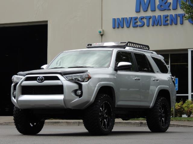 2016 Toyota 4Runner SR5 SPORT SUV 4WD V6 / 3RD SEATS REAR CAM / LIFTED - Photo 43 - Portland, OR 97217