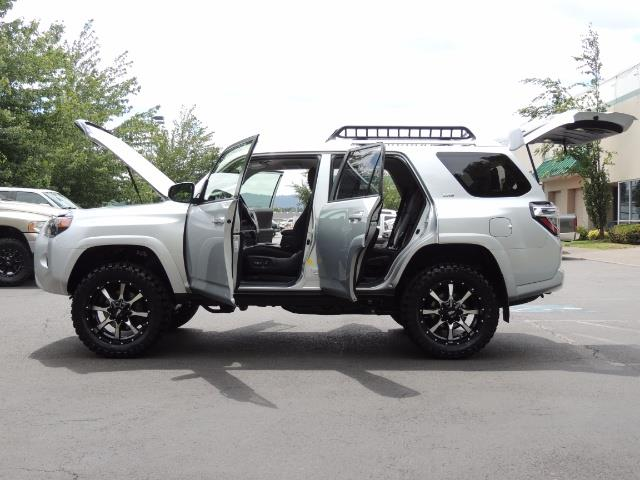2016 Toyota 4Runner SR5 SPORT SUV 4WD V6 / 3RD SEATS REAR CAM / LIFTED - Photo 22 - Portland, OR 97217