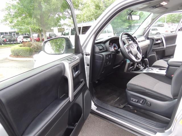 2016 Toyota 4Runner SR5 SPORT SUV 4WD V6 / 3RD SEATS REAR CAM / LIFTED - Photo 13 - Portland, OR 97217