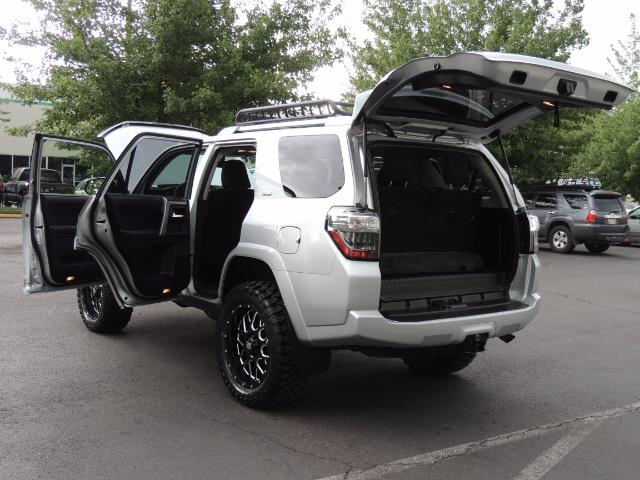 2016 Toyota 4Runner SR5 SPORT SUV 4WD V6 / 3RD SEATS REAR CAM / LIFTED - Photo 26 - Portland, OR 97217