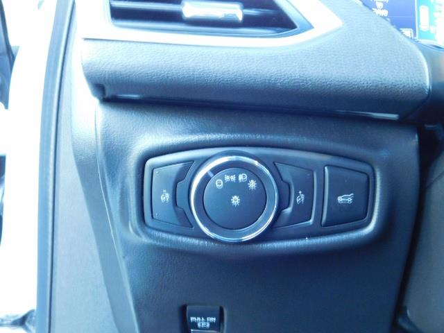 2013 Lincoln MKZ Hybrid Hybrid Sedan / Nav / Parking assist / 1-OWNER - Photo 43 - Portland, OR 97217