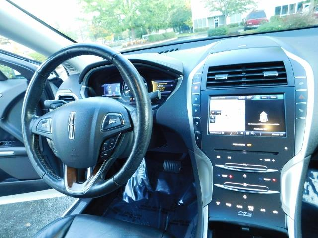 2013 Lincoln MKZ Hybrid Hybrid Sedan / Nav / Parking assist / 1-OWNER - Photo 18 - Portland, OR 97217