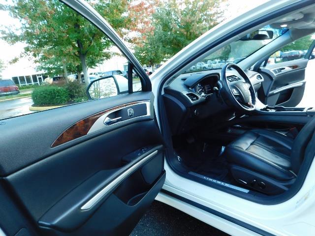 2013 Lincoln MKZ Hybrid Hybrid Sedan / Nav / Parking assist / 1-OWNER - Photo 13 - Portland, OR 97217