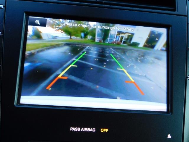 2013 Lincoln MKZ Hybrid Hybrid Sedan / Nav / Parking assist / 1-OWNER - Photo 20 - Portland, OR 97217