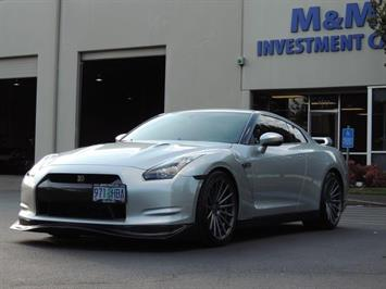 2010 Nissan GT-R Premium / AWD / TwinTurbo / 700 HP / Excel Cond Coupe