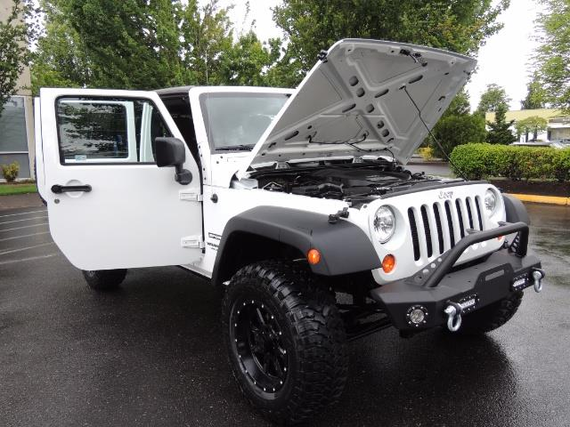 2013 Jeep Wrangler Unlimited Sport / 4X4 / Hard Top / LIFTED LIFTED - Photo 31 - Portland, OR 97217